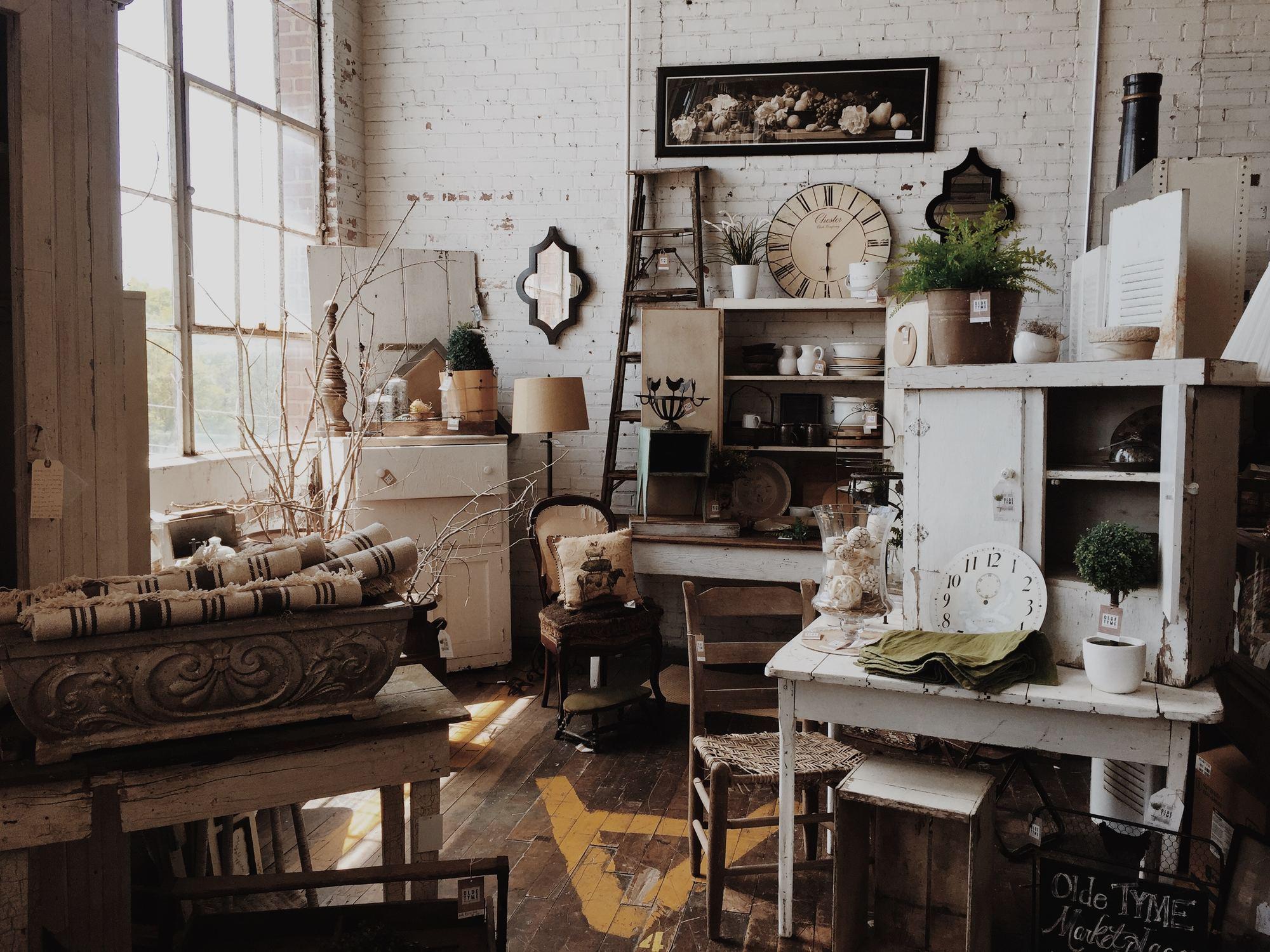Cotswolds antique shop
