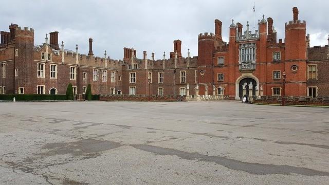 england hampton court palace