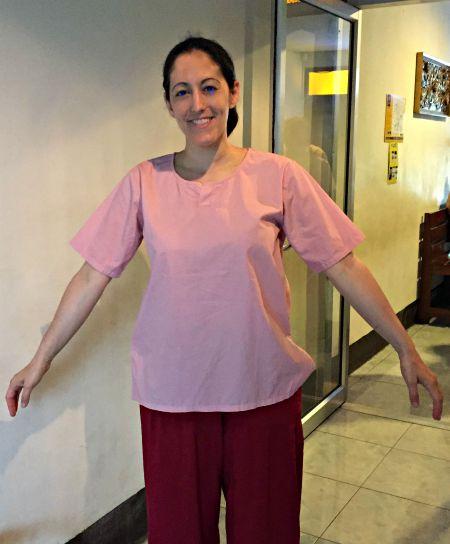 ex-prisoners massage baggy clothes