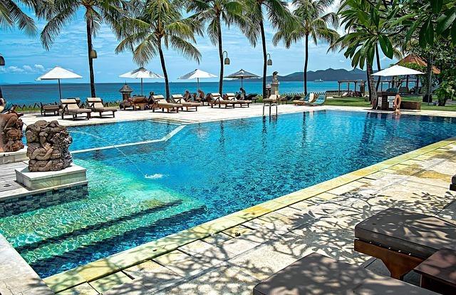 swimming pool Luxury hotel